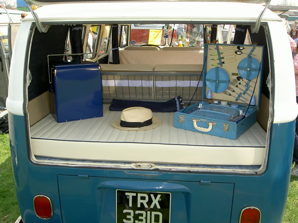 Vanilla Fluted with blue piping rear cushion